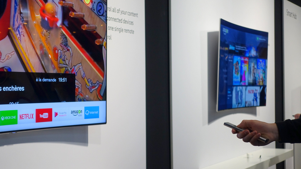 Samsung QLED TV and The Frame - Paris @ nixanbal