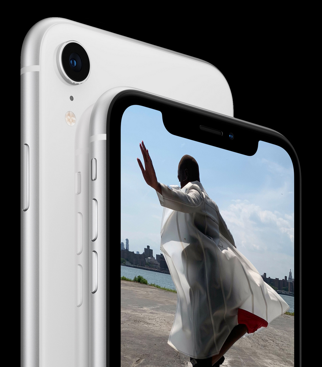 iPhone XR double-back-white 09122018
