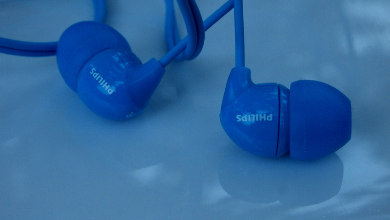 Philips_she3570bl_slushalki_headphones_tapi