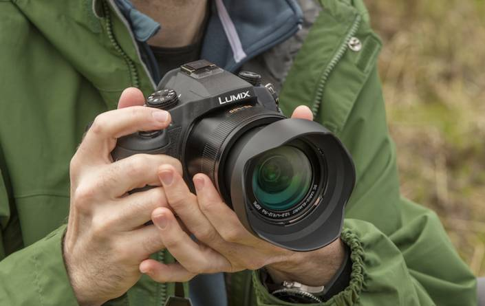 Panasonic Lumix DMC-FZ1000 предлага 4k видеозапис и 16x оптичен зуум