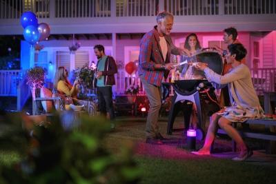 Светлините Philips Hue за външна инсталация излизат през лятото в три серии