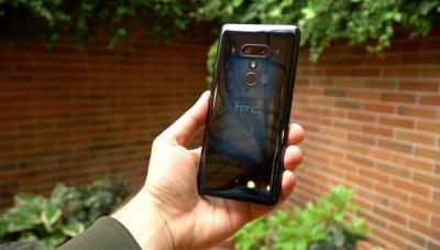 HTC U12+ вече е наличен в България