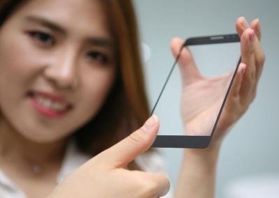 LG успя да скрие скенер за пръстови отпечатъци под стъклото на смартфон дисплея