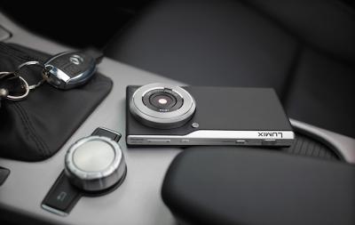 Panasonic Lumix CM1 е мощен камерафон с обектив Leica
