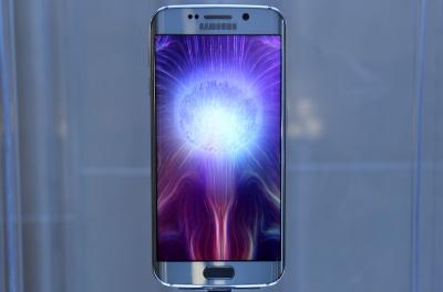 Цената на фаблета Samsung Galaxy S6 edge+ ще започва от 800 евро
