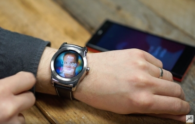 Jolla показа как би изглеждала Sailfish OS на смартчасовник
