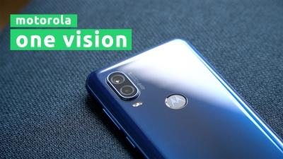 ВИДЕО: Разопаковане и първа среща с Motorola One Vision