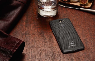 Motorola представи Droid Turbo - супермощен смартфон с 5.2