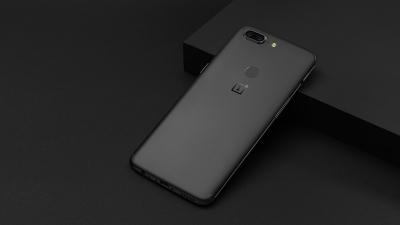 Без никаква конкретика OnePlus 5T беше обявен за