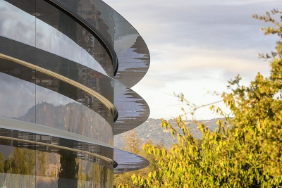 Впечатляващият Apple Park отваря врати за първите служители през април