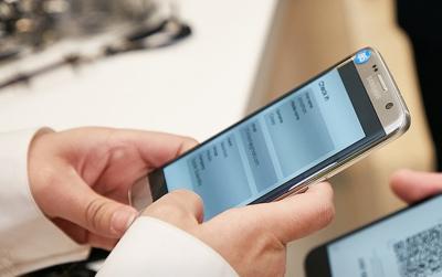 Samsung Galaxy S9 може да има модулен дизайн с магнитни приставки, твърди Елдар Муртазин