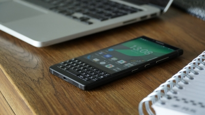 5 НЕЩА за BlackBerry KEY2